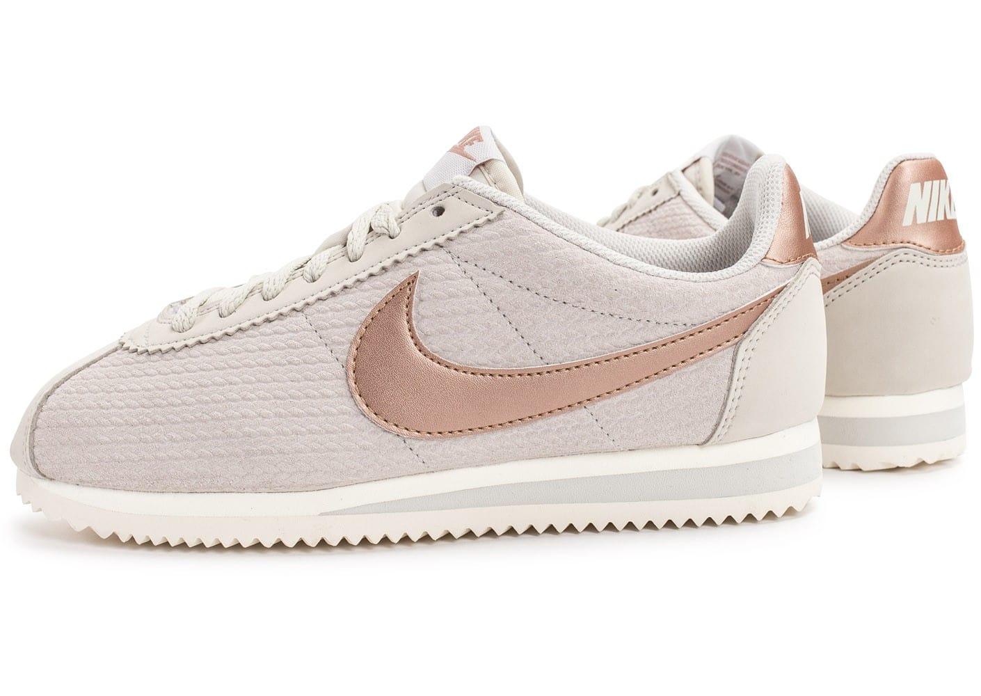 3475a9d1edf0c Nike CORTEZ ULTRA MOIRE Blanc Femme Chaussures Sneakers Cliquez pour zoomer Chaussures  Nike Cortez Leather Lux beige vue extérieure .